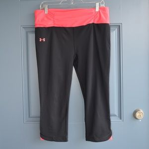 Black/Pink Shatter II Capri Pants by Under Armour
